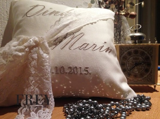 Wedding pillow with personalized embroidery