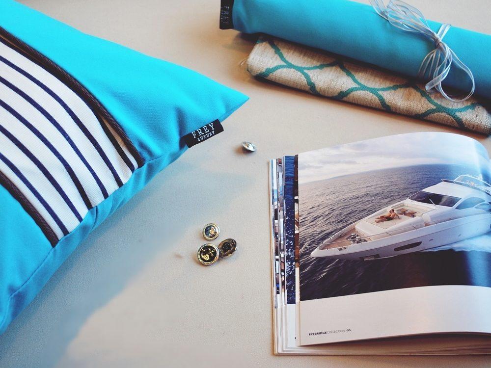 Magical azure beach in Frey pillow