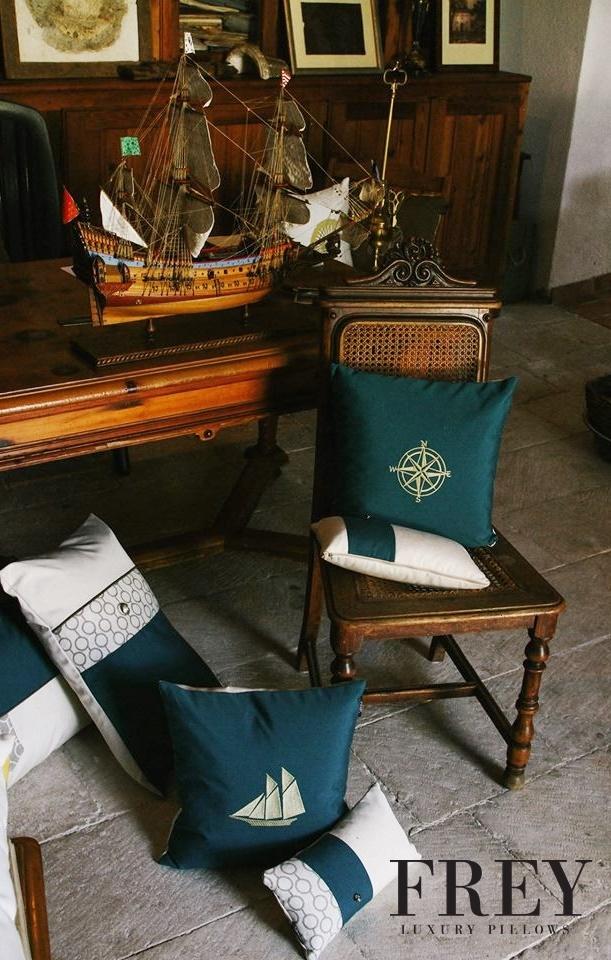 Emerald details in interiors