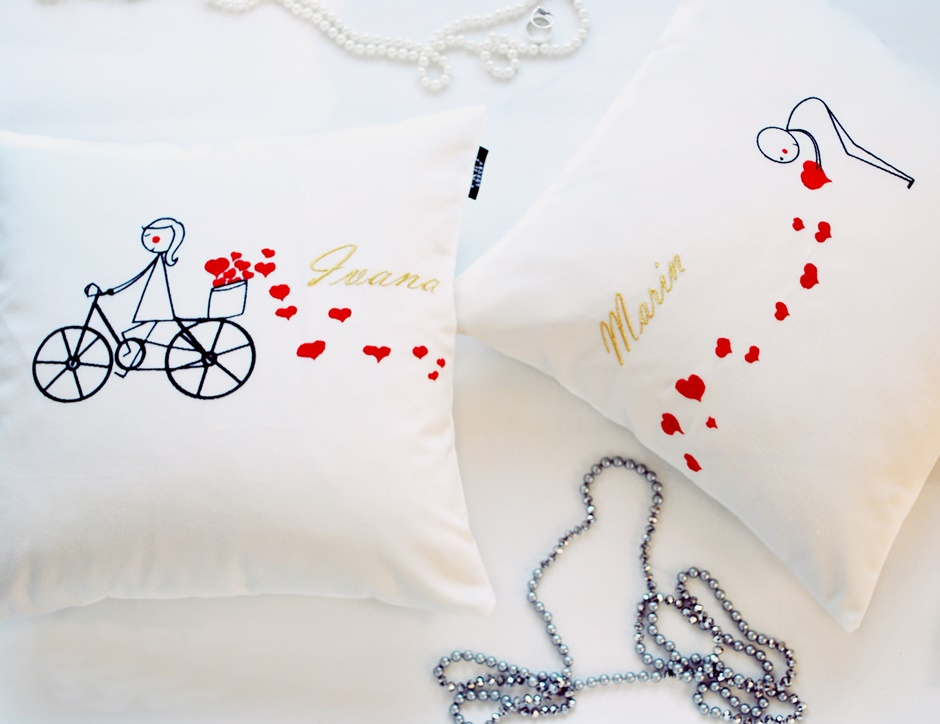 Frey pillow – a wedding gift to be remembered